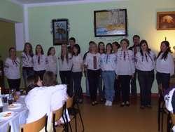 Górowo: Szczedryj Weczir w ukraińskiej szkole . Śpiewa Żurawka.