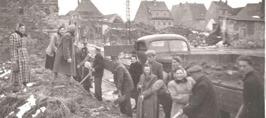 Jeszcze w 1952 roku Nidzica nie podniosła się z ruin, jakie pozostawili po sobie zdobywcy