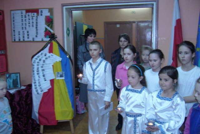 Bartoszyce: Wicznaja Pamjat dla ofiar katastrofy smoleńskiej  - full image