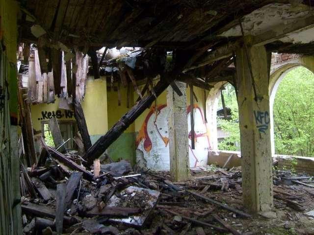 Rudziska Pasymskie; Smutny krajobraz po Mazurskim Uniwersytecie Ludowym  - full image