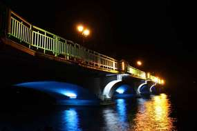 Zabytkowy most na Jeziorze Ełckim w Ełku