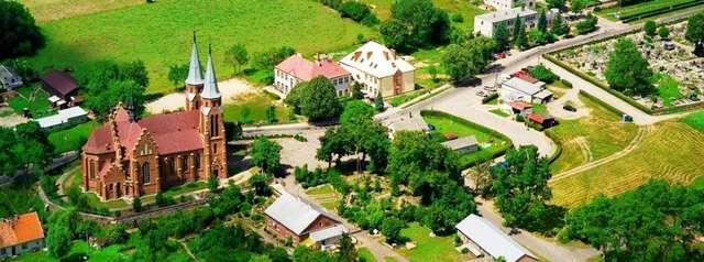 Janowiec Kościelny: kościół z 1912 roku - full image