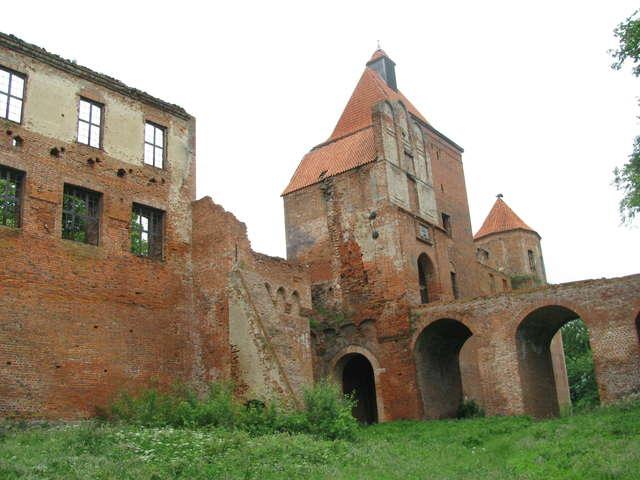 Szymbark: ruiny zamku i John Malkovich - full image