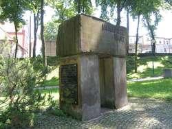 Gołdap: pomnik Immanuela Kanta