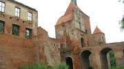 Szymbark: ruiny zamku i John Malkovich