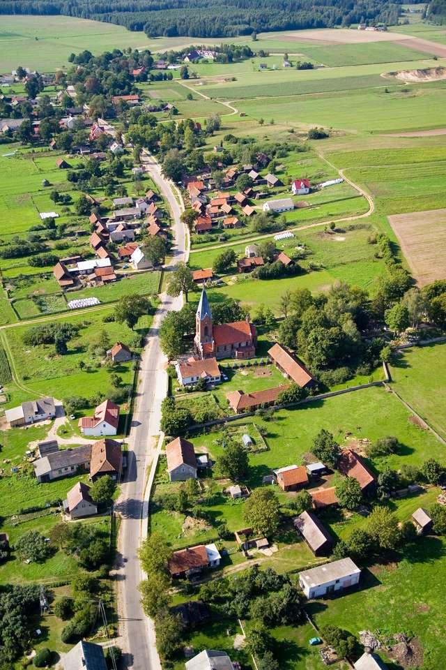 Klon: drewniana wieś - full image