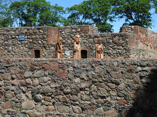 Szczytno: ruiny zamku - full image