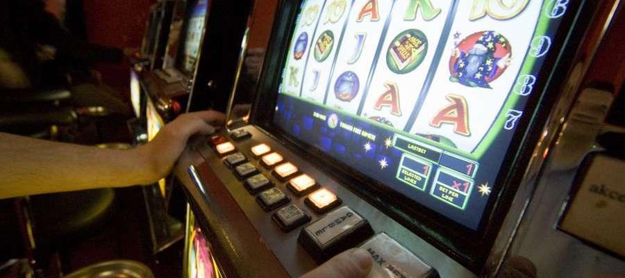 Chętnych jest trzech, ale kasyno może być tylko jedno