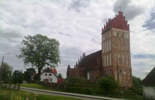 Mołtajny: kościół gotycki z XIV wieku - full image
