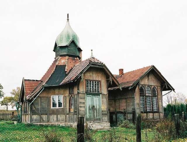 Budwity: drewniany dworzec cesarza Wilhelma - full image