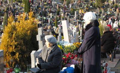 Znicz 2014 – zmiana organizacji ruchu w pobliżu cmentarza
