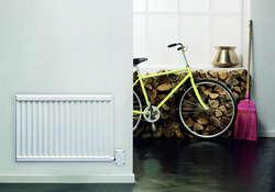 Elektryczne grzejniki płytowe mogą stanowić także główne źródło ciepła w naszym pokoju lub korytarzu