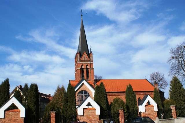 Kościół Podwyższenia Krzyża Świętego w Olecku  - full image
