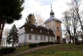 Pałac biskupów warmińskich w Smolajnach