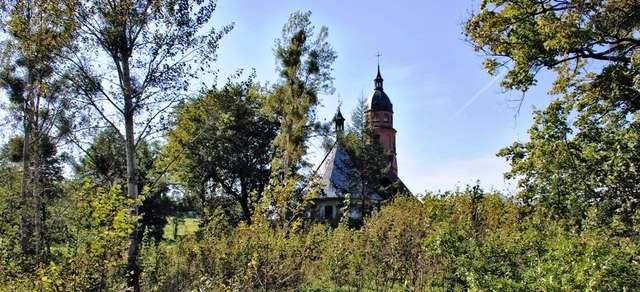 Bartołty Wielkie: zabytkowy kościół - full image