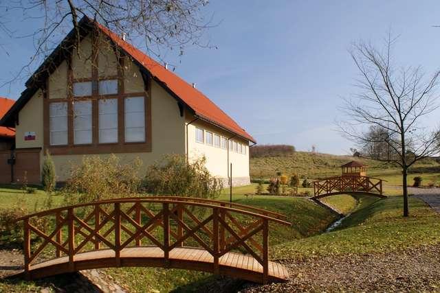 Gąski: wieś nad jeziorem Przytulskim - full image
