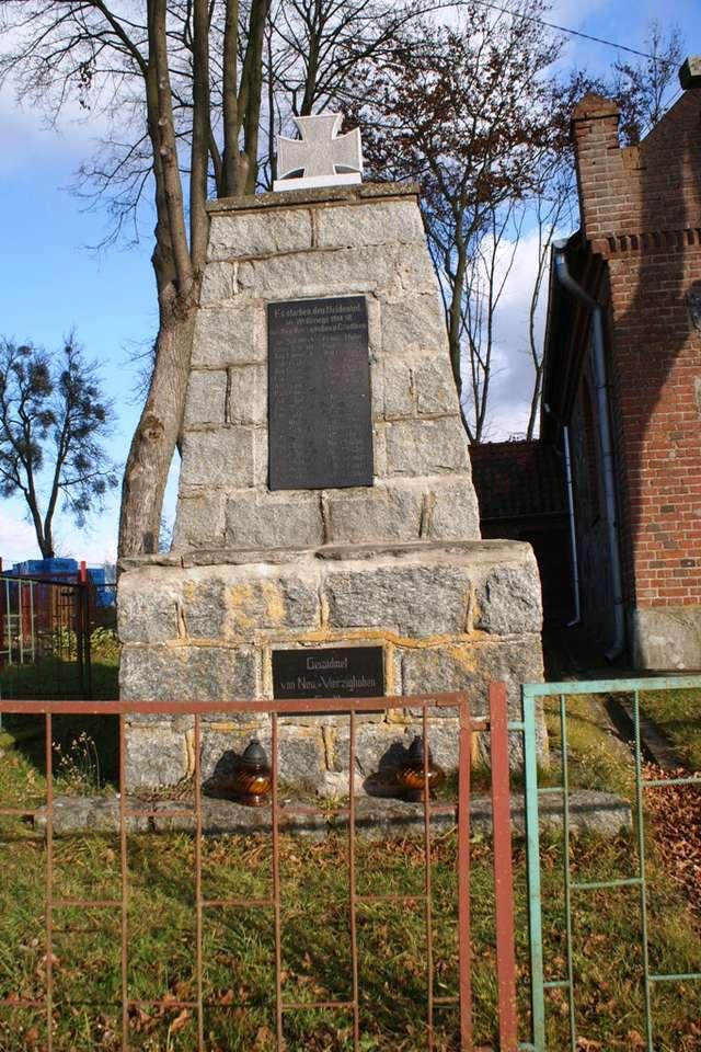 Nowe Włóki: pomnik ku czci poległych w czasie I wojny światowej - full image