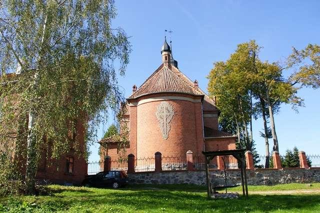 Ramsowo: kościół z 1730 roku - full image