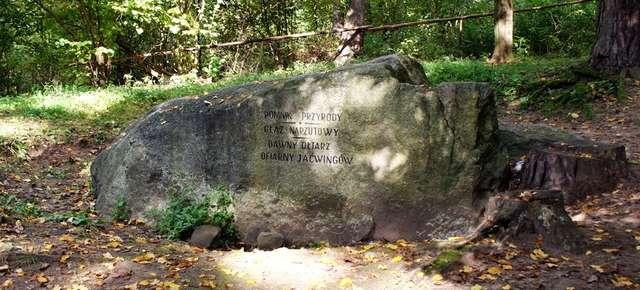 Stare Juchy: kamień ofiarny Jaćwingów - full image