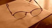 Kiedy trzeba zacząć nosić okulary?