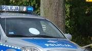 Chciał uniknąć spotkania z policjantami, więc ... uderzył w radiowóz i uciekł