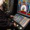 Rozbił monitory w salonie gier. Grozi mu 5 lat więzienia