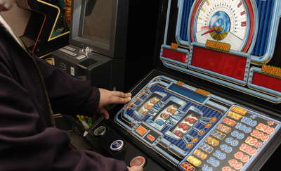 Próbował włamać się do salonu gier, bo chciał odzyskać pieniądze