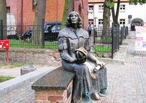 Ławeczka z Mikołajem Kopernikiem w Olsztynie