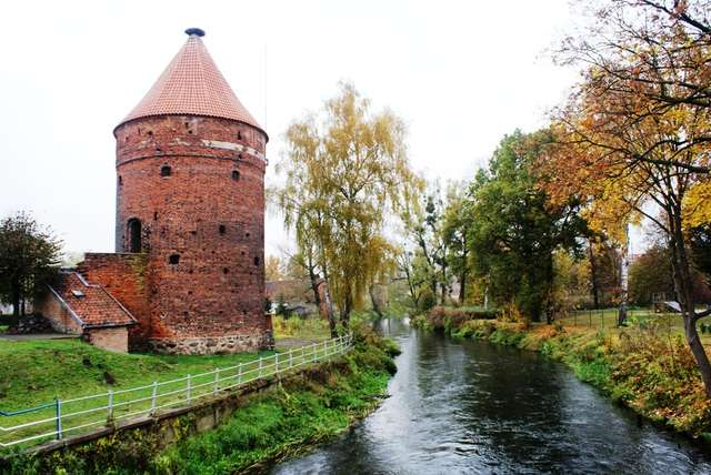 Dobre Miasto: Baszta Bociania - full image
