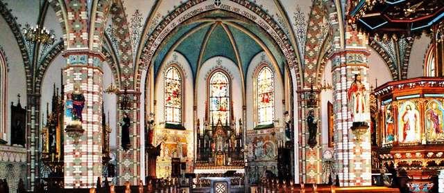 Klebark Wielki:kościół z Relikwiami Świętego Krzyża - full image