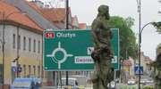 Rzymscy bogowie na ulicy w  Iławie