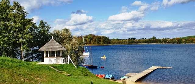Jeziorowskie: wieś nad jeziorem Ułówki - full image