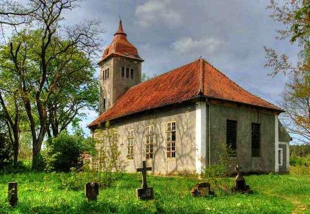 Kurki: kościół św. Maksymiliana Kolbe z 1753 roku - full image
