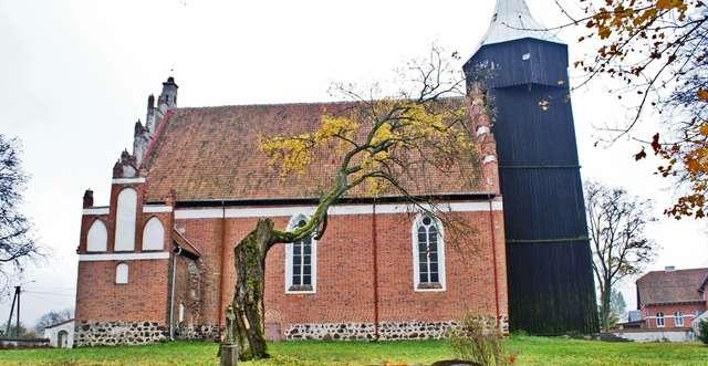 Radostowo: gotycki kościół z końca XIV wieku - full image