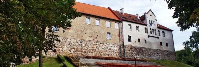 Jeziorany: ratusz czyli dawny zamek biskupów warmińskich - full image