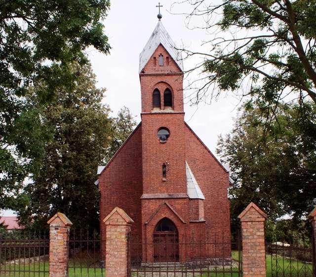 Jeziorany: dawny kościół ewangelicki - full image