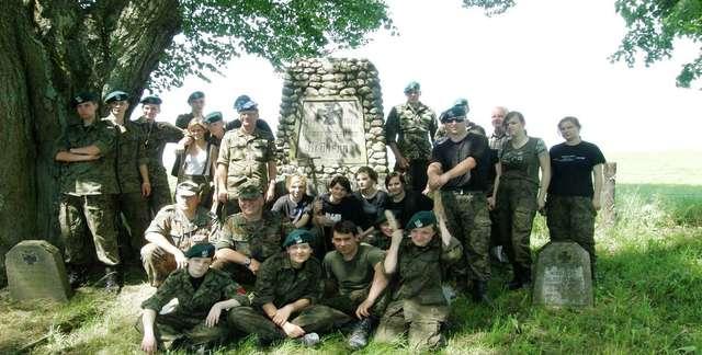 Paprotki: cmentarz wojenny - full image