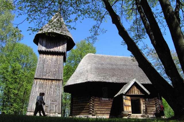 Olsztynek: skansen (Muzeum Budownictwa Ludowego) - full image