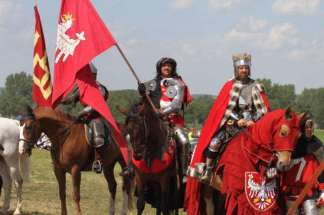 Rok temu Jagiełło poprowadził wojska polsko-litewskie do zwycięstwa. Czy w tym roku będzie podobnie? - full image