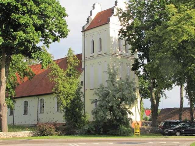 Kruklanki:  kościół pw. Wniebowzięcia Najświętszej Maryi Panny - full image
