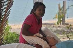 Masaż tajski na plaży niesie relaks i ulgę