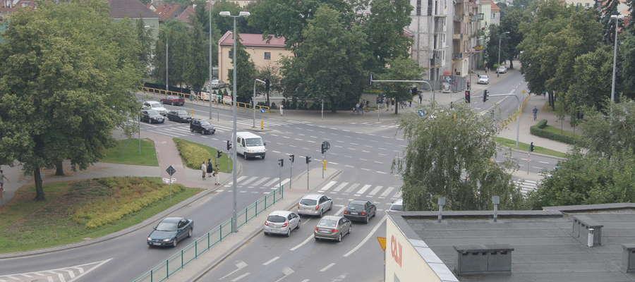 Plac Powstańców Warszawy - skrzyżowanie ulic Jagiellońskiej, Limanowskiego i alei Sybiraków