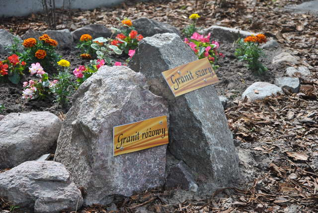 Pisz: ekspozycja kamieni - full image
