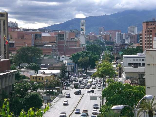 Las Mercedes - dzielnica dla bogatych - full image