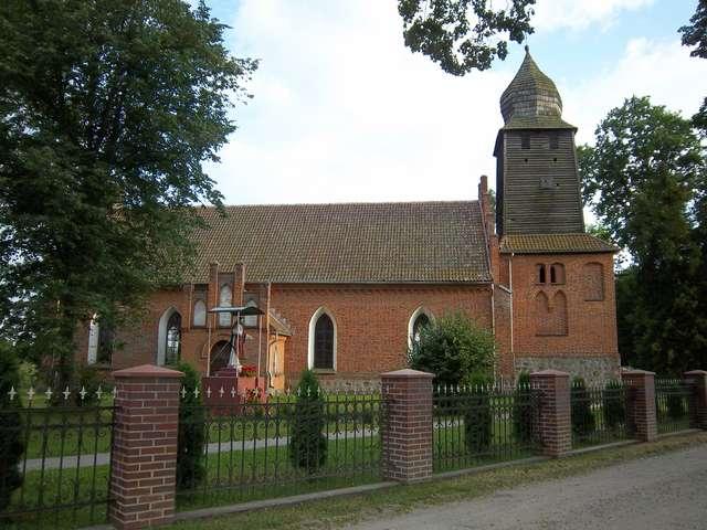 Łukta: kościół z 1407 roku - full image