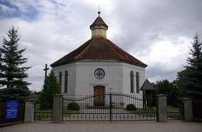 Kościół z 1827 roku w Radziejach