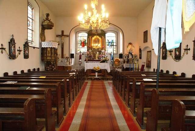 Jarandowo: kościół na wzgórzu - full image