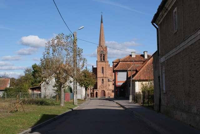 Wielbark: kościół pw. św. Jana Nepomucena - full image