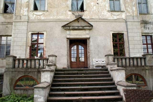 Nakomiady - pałac z przeszłością i ... przyszłością - full image