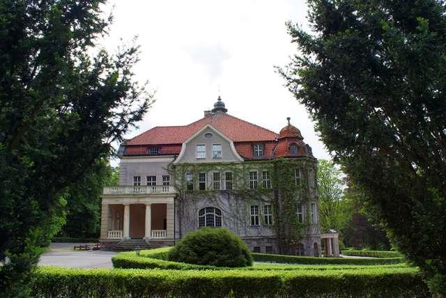 Łężany - jeden z najpiękniejszych pałaców na Warmii i Mazurach - full image